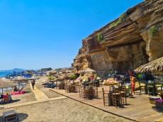 Oasis beach bar v skali