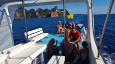 60 DIVING BOAT ON PHI PHI DON