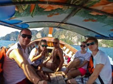 62 taxi boat on phi phi don