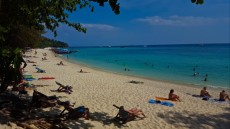 65aLong beach on phi phi Don Thailnad